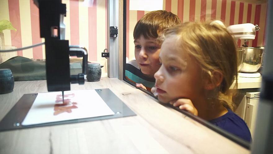 3d-printer-dlya-izgotovleniya-sladostej-5