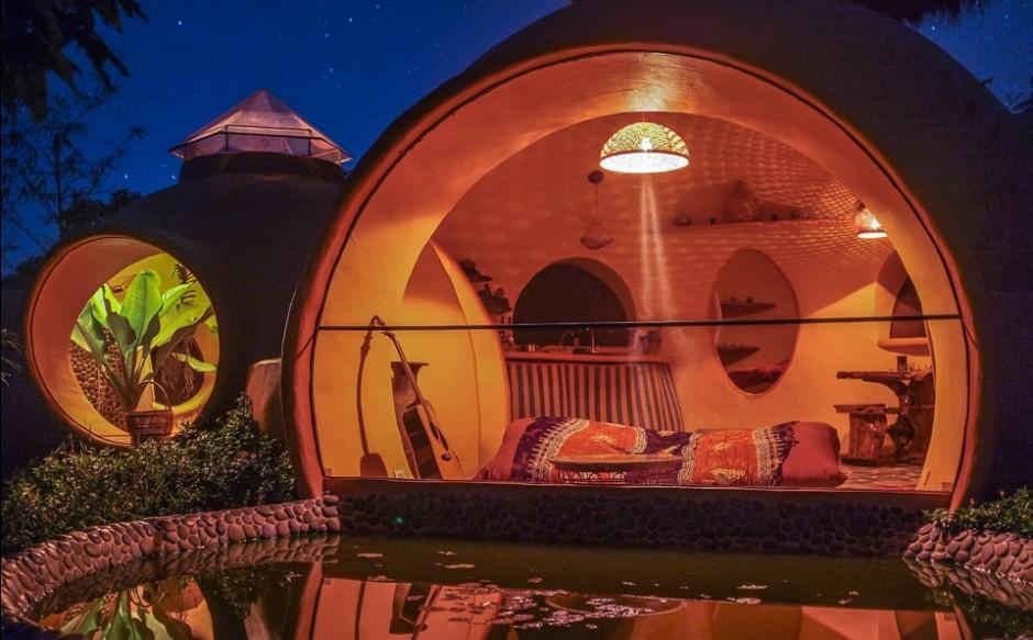 Дом мечты ночью с подсветкой