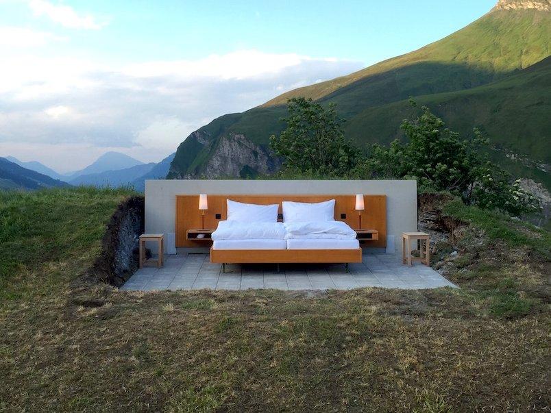 Отель без стен и потолка с лучшим видом на Швейцарские Альпы