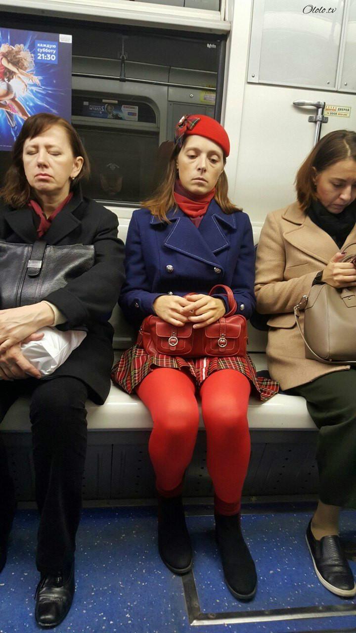 Модные люди в метро 2: осторожно, здесь может быть ваша фотография! рис 16