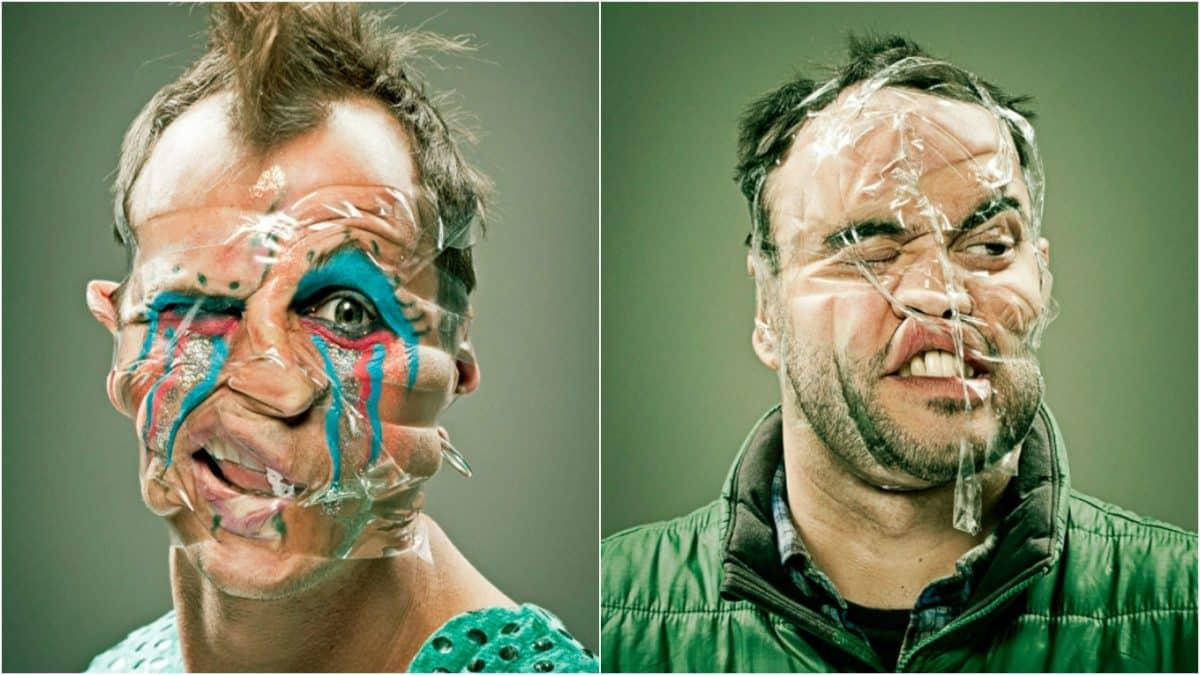 Портреты друзей, чьи лица замотаны скотчем