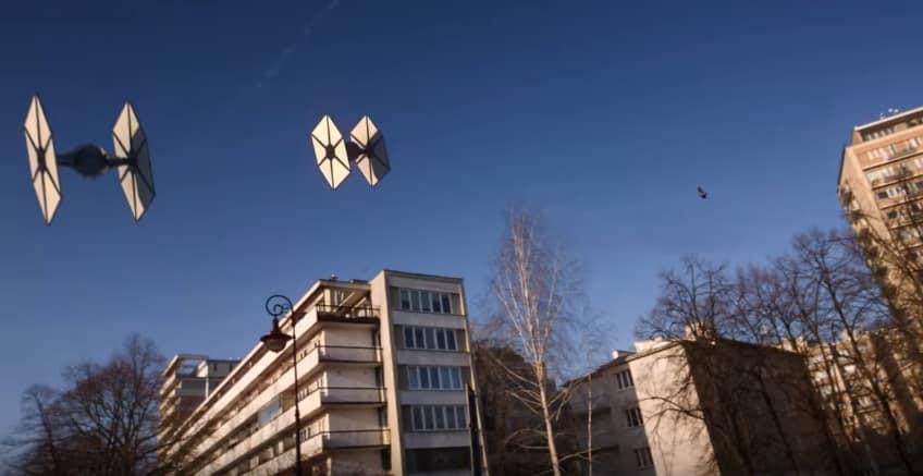 Тем временем в небе над Варшавой. Видео