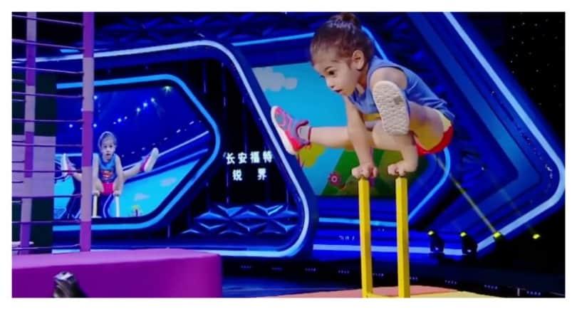 Трехлетний малыш поразил своими акробатическими навыками членов жюри китайского шоу талантов