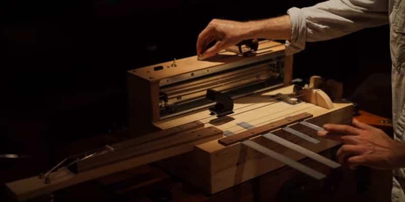 Инструмент для создания звуковых эффектов в фильмах ужасов. Видео