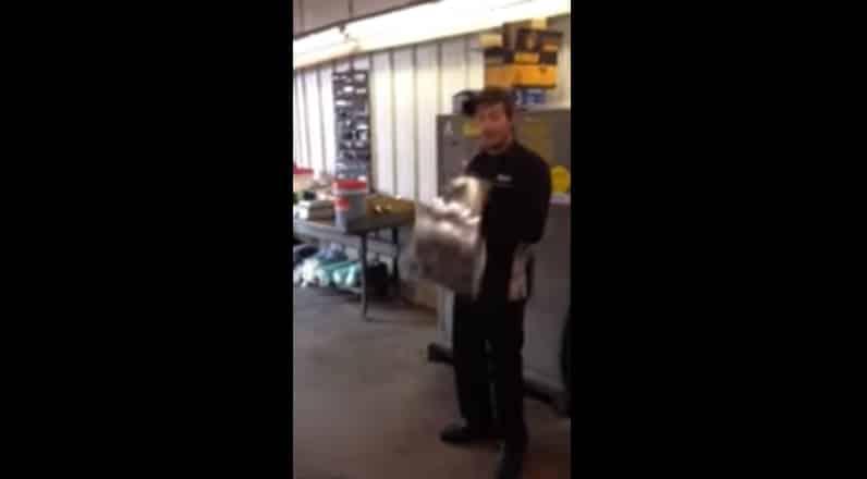 Что делать, если к вам внезапно нагрянула полиция. Видео