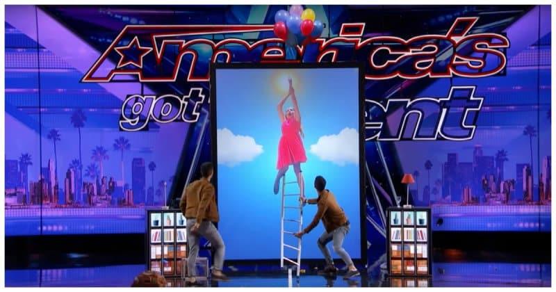 Братья-близнецы удивили публику шоу талантов магическими трюками на гигантском интерактивном экране!