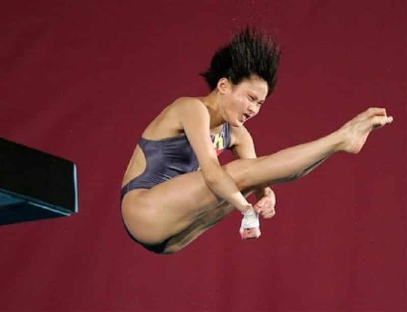Очень смешные фото прыгунов в воду рис 4