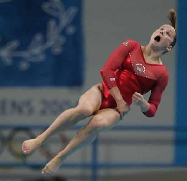 Очень смешные фото прыгунов в воду рис 3
