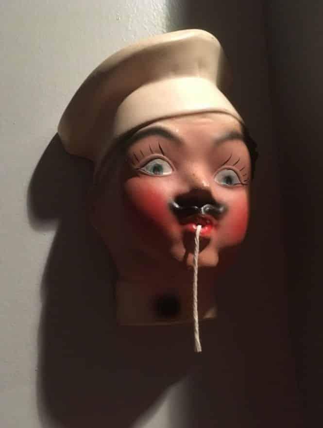 Топ самых странных и пугающих вещей, хранящихся в доме родителей. Часть I рис 8