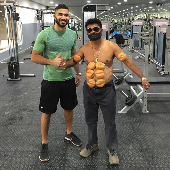 44-летний инженер из Индии лихо пародирует знаменитостей!