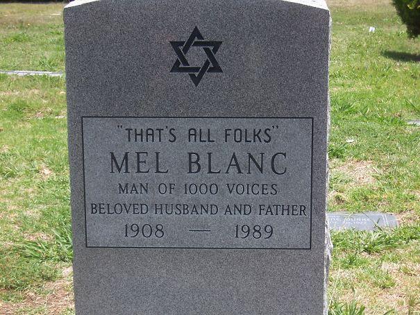 17 смешных надписей на надгробиях от людей, чье чувство юмора будет жить вечно!
