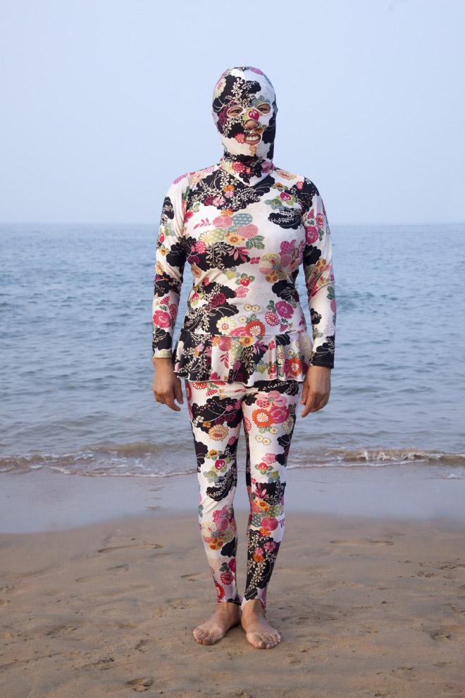 20 примеров бессмысленной и беспощадной моды с пляжей Китая!
