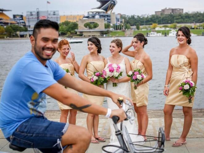 20 случайно испорченных снимков со свадьбы, ставших настоящей фотобомбой! рис 7