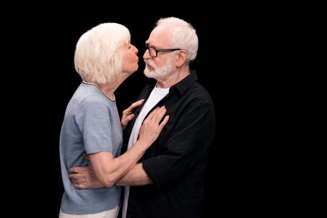 поцелуи и обьятия