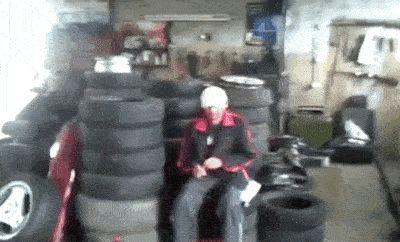 взрыв подушки безопасности gif