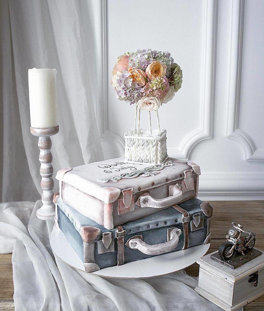 торт в форме чемоданов