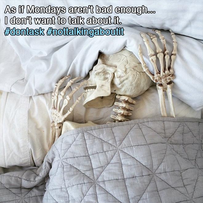 скелет в постели