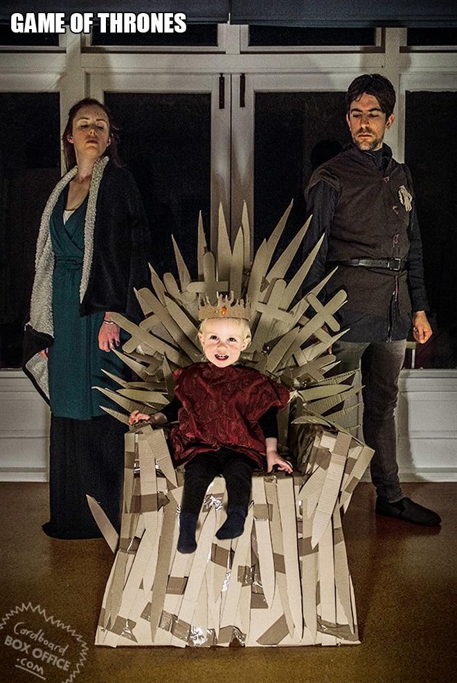 Родители воссоздают сцены из культовых фильмов с участием их сына! 6