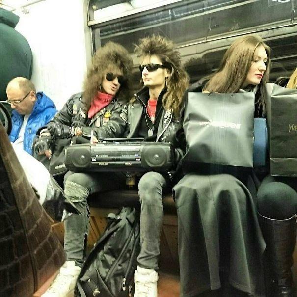 пассажиры метро рис 2