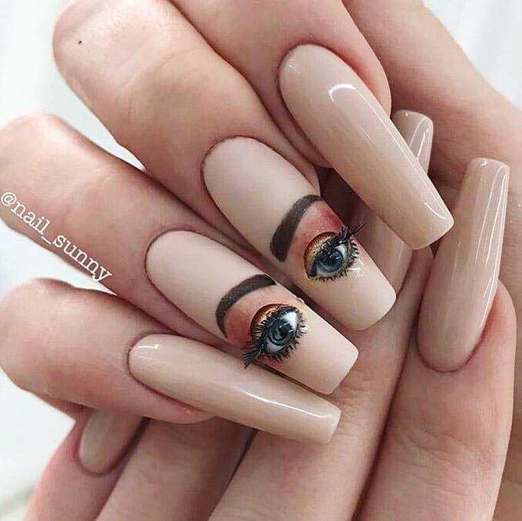 ногти-глаза