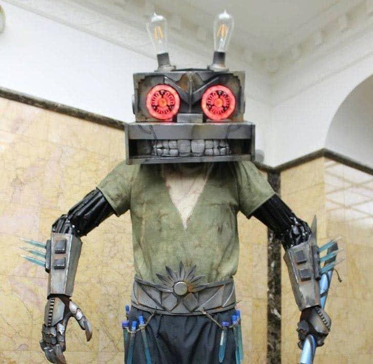страшный робот-заяц из Ну-Погоди!