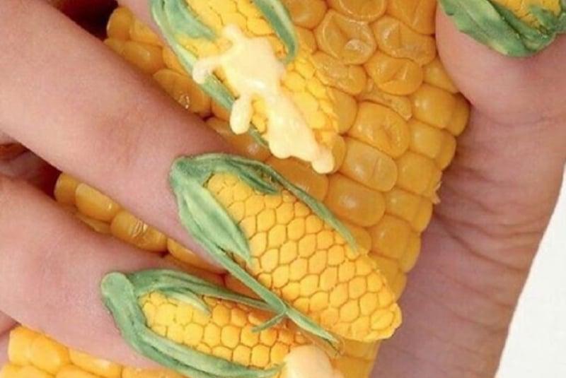 Маникюр с кукурузой