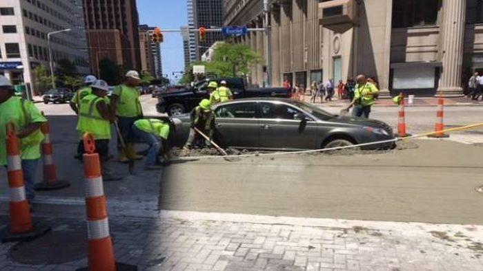 машина в цементе
