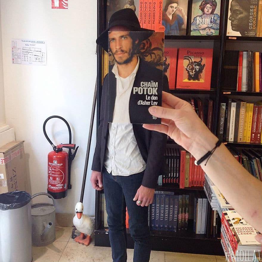 парень в книжном магазине