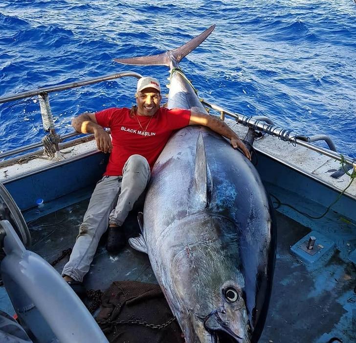 рыбак и огромная рыба
