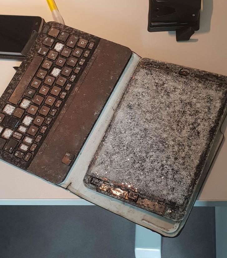 ноутбук разбился
