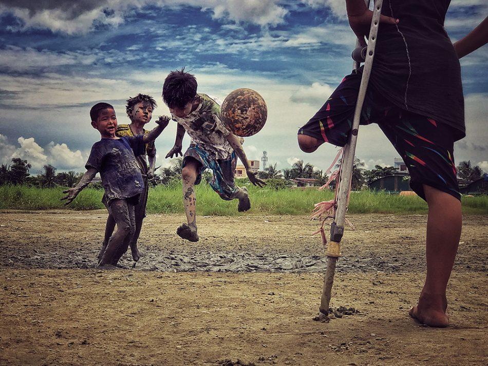 дети футбол фото