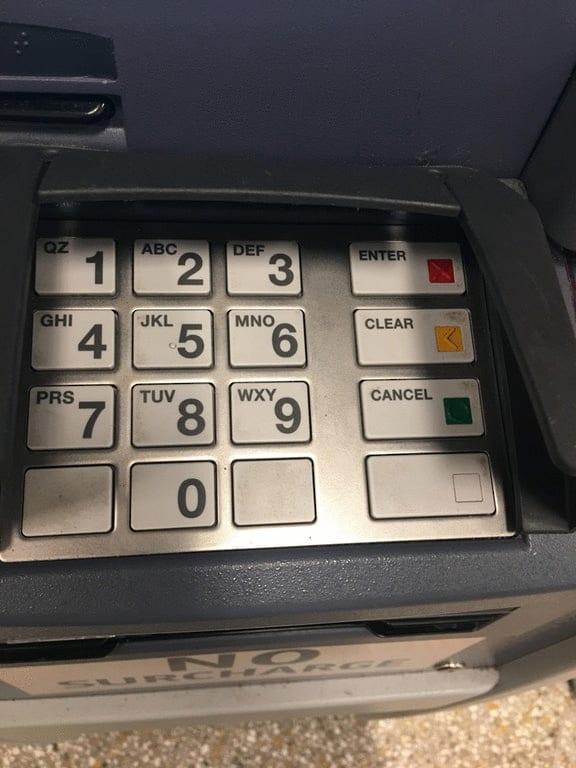 неправильный банкомат