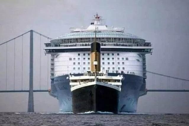 титаник на фоне современного круизного лайнера