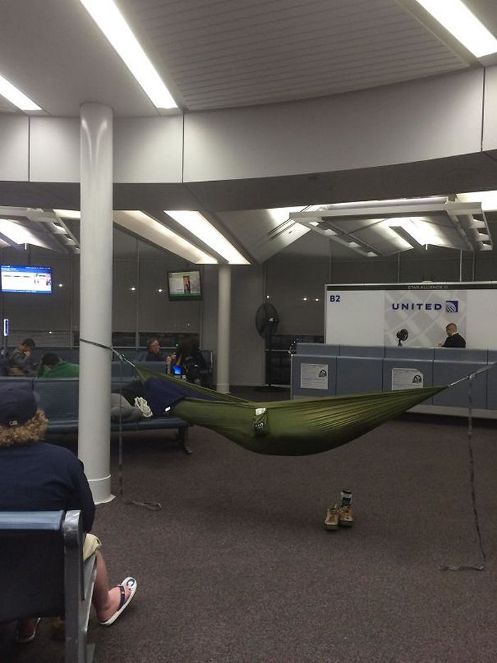 гамак в аэропорту