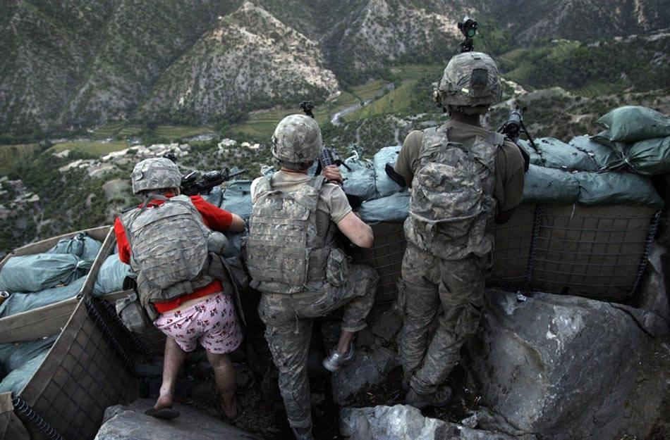 солдаты на позиции