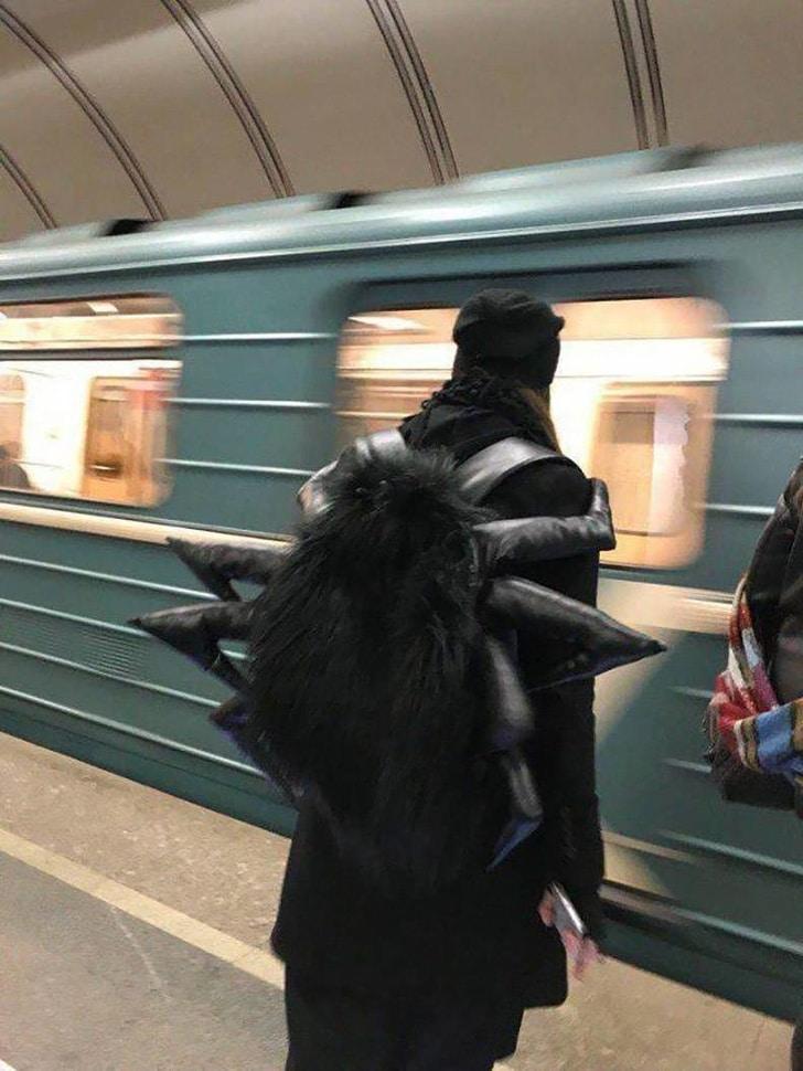 рюкзак в виде паука