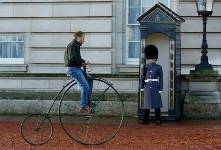 велосипед с большим колесом