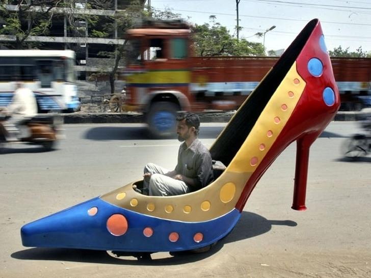 авто в виде туфли