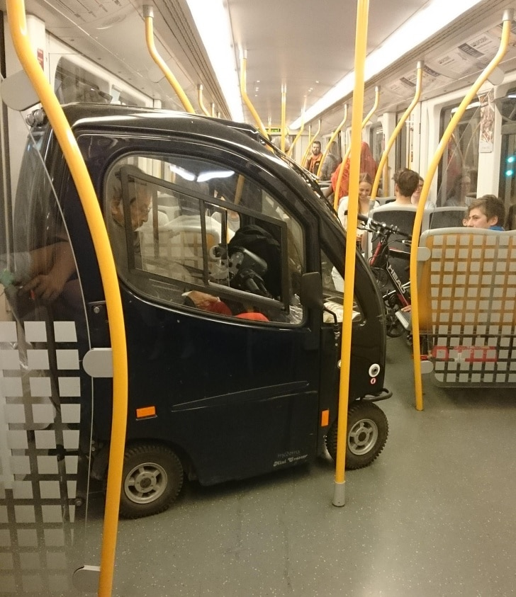 машина в метро