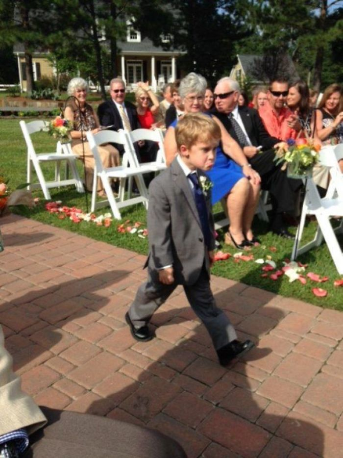 мальчик на свадьбе