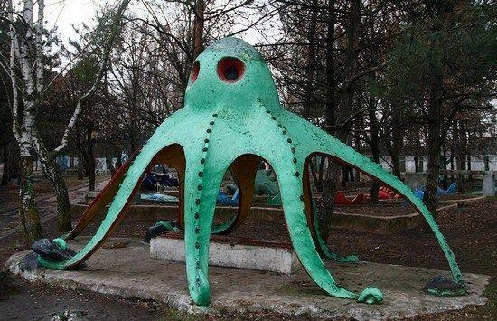 горка в форме осьминога
