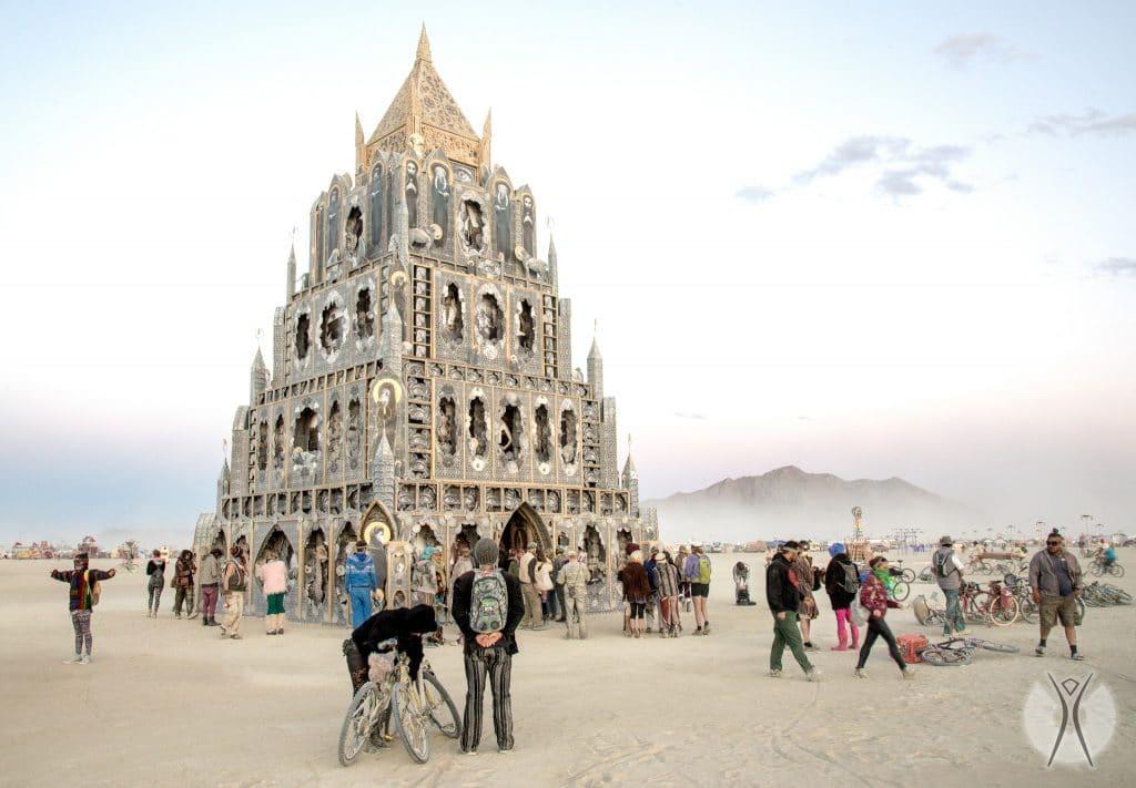 замок Burning Man
