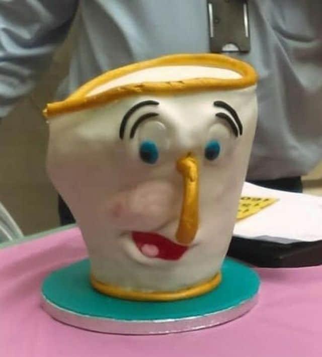 "торт в форме чашечки из ""красавица и чудовище"""