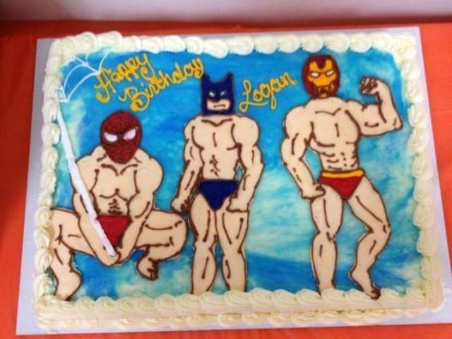 торт с нарисованными супергероями