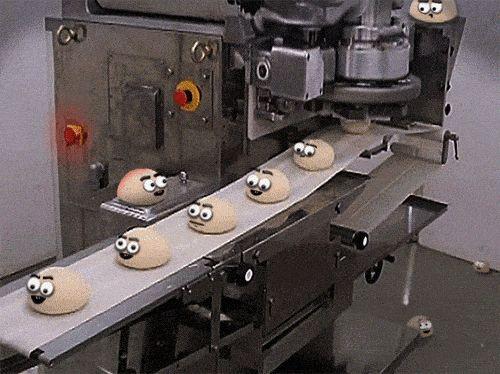 смешные гифки с булочками на конвеере