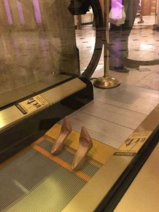 туфли на эскалаторе