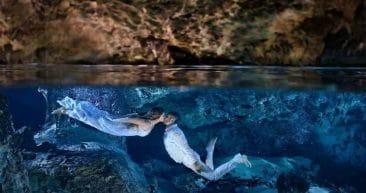 Это любовь. 10 фото влюбленных пар, снятых под водой, которые вас впечатлят