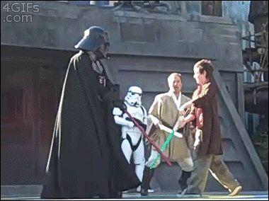 дарт вейдер дерется с мальчиком на мечах