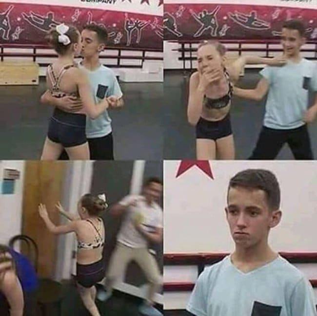 мальчик поцеловал девочку