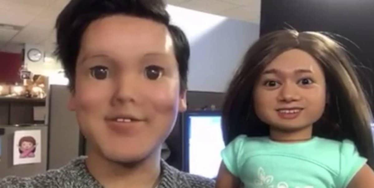 парень и кукла барби